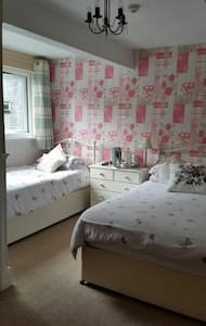 Family room at Brooklands Guest House - Bowness-on-Windermere