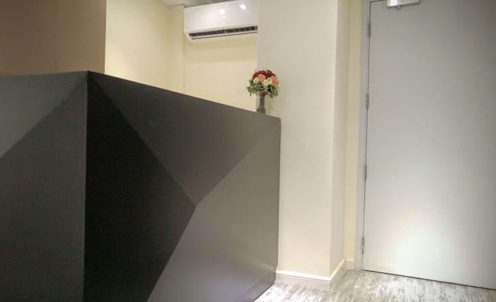 1min MTR, budget room 2