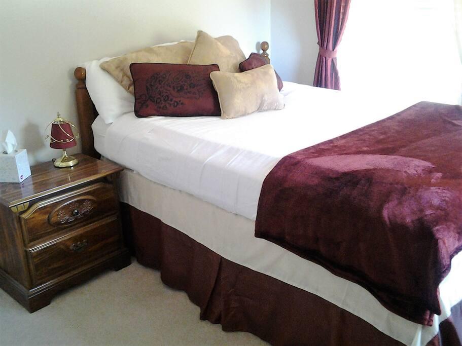 Queen bedroom 2nd view