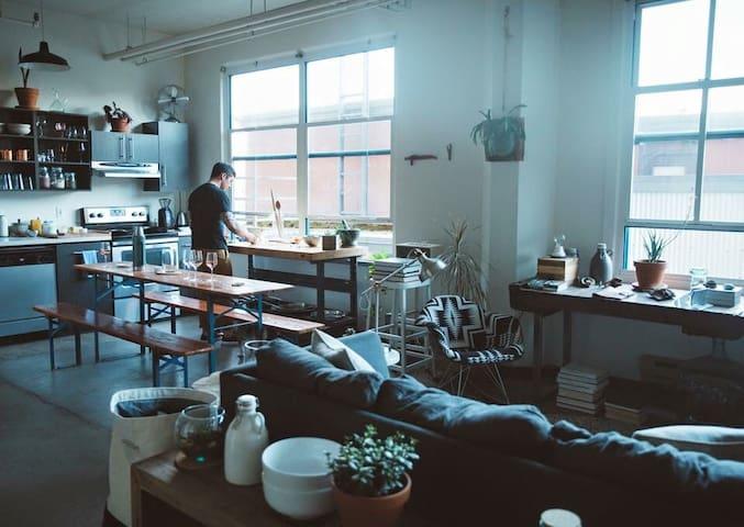 Bright, Modern Studio Loft Inner NW - Portland - Pis