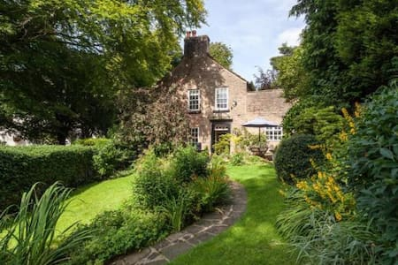 Large Cottage- Private room with ensuite - Disley - Disley - Casa
