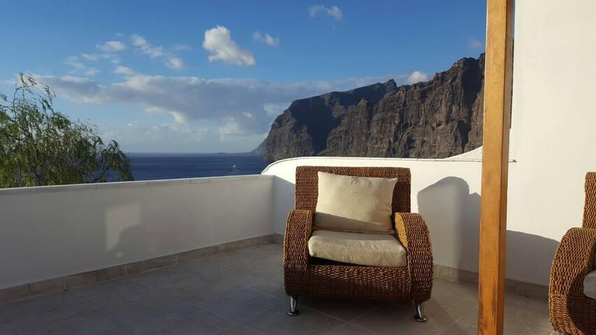 Modern panoramic apartment + pool in Los Gigantes - Santiago del Teide - Condominium