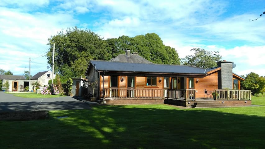 Luxury Country Lodge near Kells (50 mins Dublin)