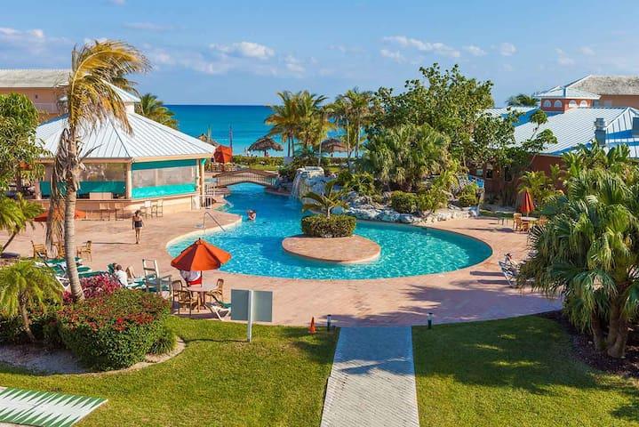 Island Seas Resort: 2-BR, Sleeps 6, Full Kitchen