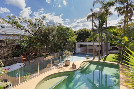 Huge Modern Beach House with Pool! - North Curl Curl - Talo