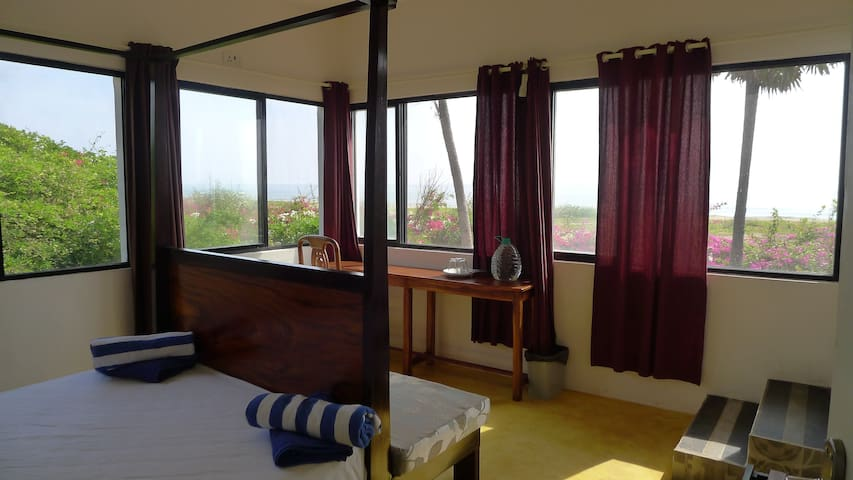 Amazing 180 degree 3 bedroom seaview house @ Tanto