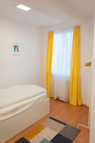Good service , friendly personal ,very clean Constantin – Romania