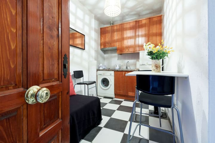 New and Unique Flat in the best Neighbourhood!!