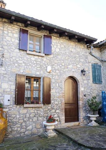 Exclusive house in panoramic village of Emilia - Casina - Rumah