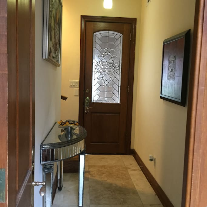 Private downstairs entrance
