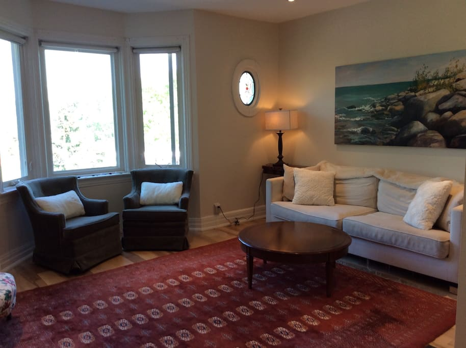 Riverdale Three Bedroom Apartment With Parkview Apartments For Rent In Toronto Ontario Canada