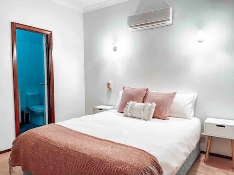 Komfortabelt 3 BR, 2BA-hus - rent og sentralt