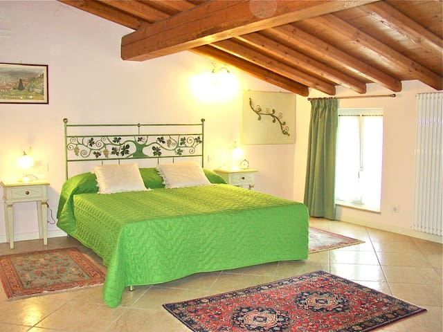 Stupenda cascina b&b immersa nel verde - Cavriana - Bed & Breakfast