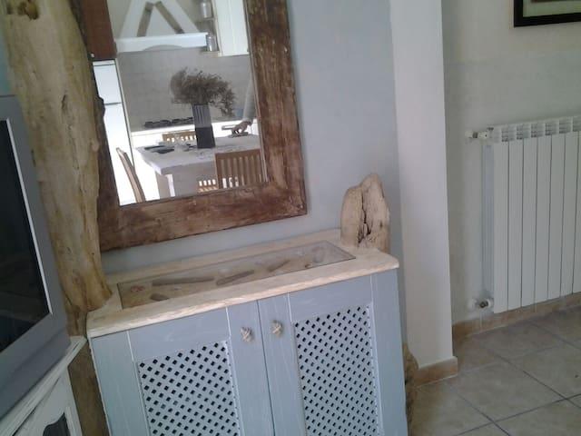 Bellissimo Appartamento rinnovato - San Pantaleo - Apartment