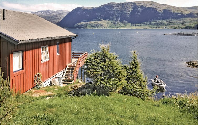 Holiday cottage with 3 bedrooms on 76m² in Måløy