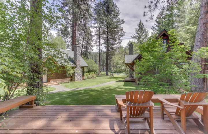 Metolius River Resort Cabin 11