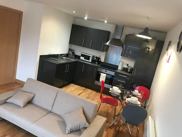 Lovely 2 bed City Centre Apartment - sleeps 6
