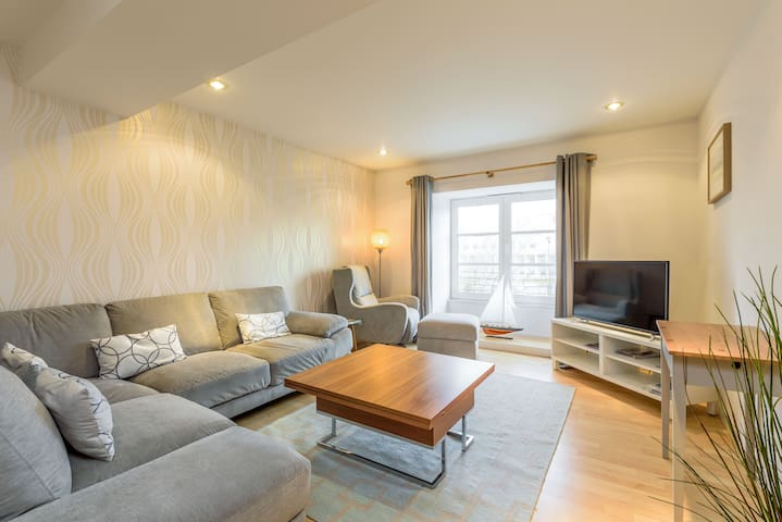 Delightful Shore Apartment with Private Parking