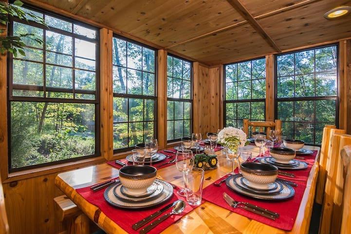 Cedar 2BR Cabin in Lake Ferndale - Springfield - Kisház