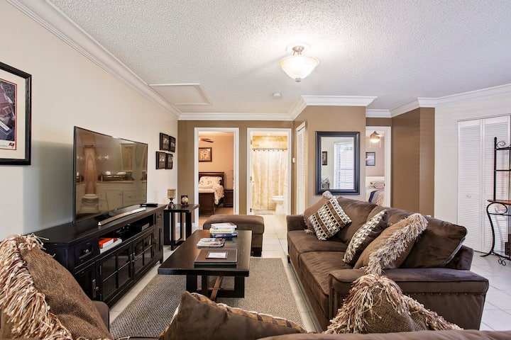 Entire apartment, close to everything 2B/1B