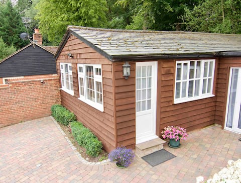The Little Lodge House, sleeps 4 in Hertfordshire