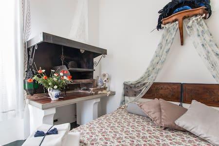 Casa Simonetti bed and breakfast - ビアレッジョ