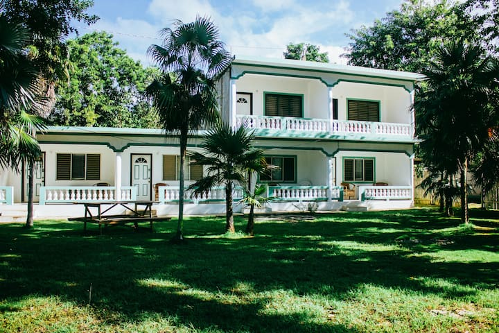 Private Guest Apartment - Negril - Daire
