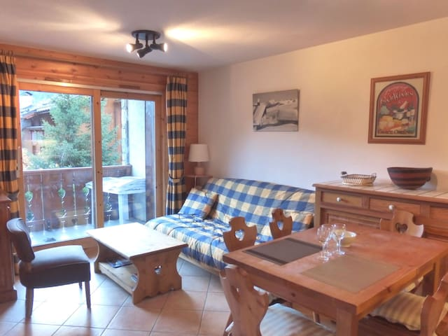 Comfortable 2 rooms apartment with cabin for 4 guests in 50 m from the slopes