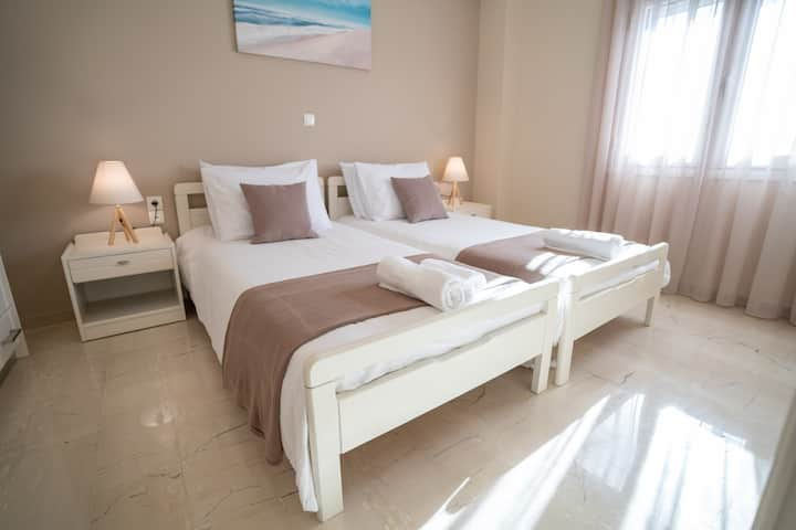 Helios Residence - City center apartment (3 pax)