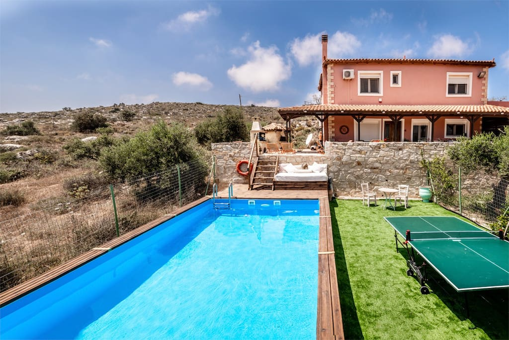 Villa Elise, Private pool with enclosed garden.
