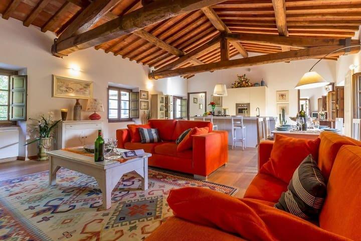 Comodo appartamento nel cuore della Toscana