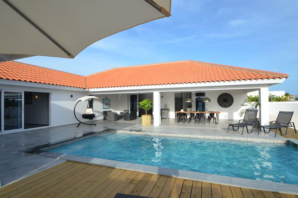 Veranda en zwembad