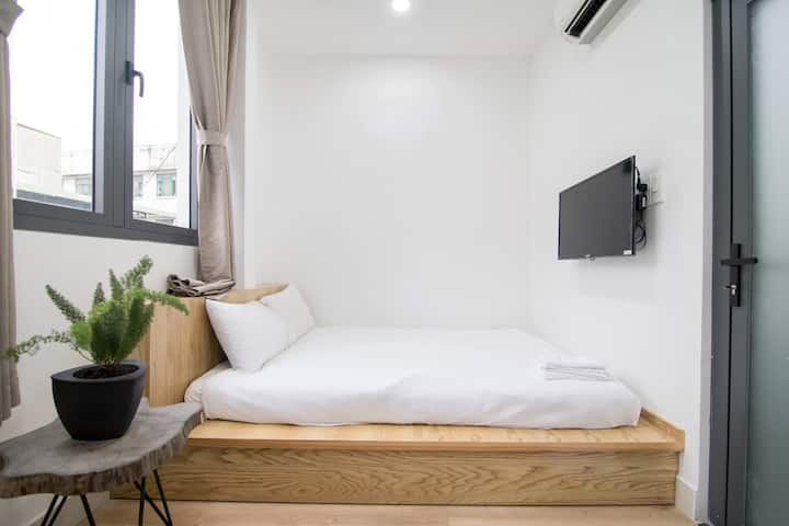Sunny small room near airport | Saigon Dwelling
