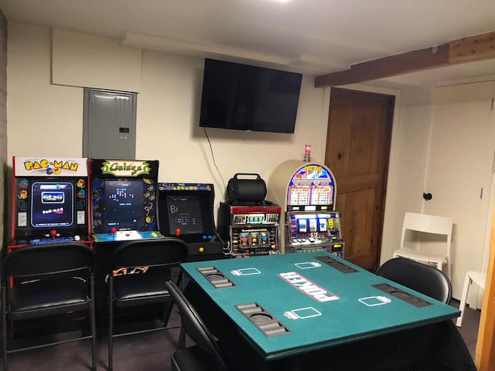 Funky Basement with Epic Gameroom