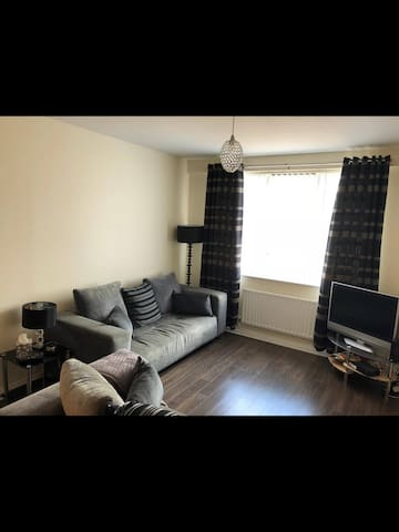 Stunning Newly renovated 2 bedroom in City Centre