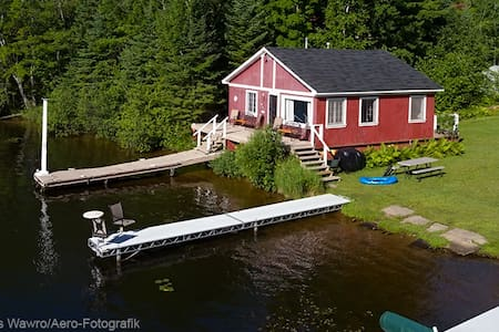 On The Water and On The Chain - Eagle River - Cabane