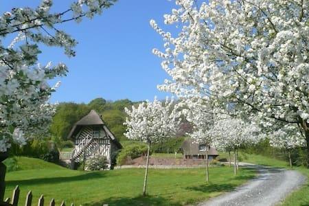 Chaumière normande authentique, vue exceptionnelle - Marais-Vernier - Casa