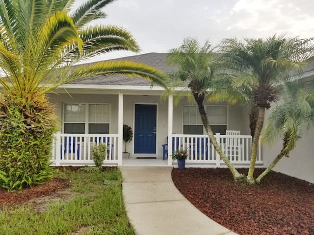 Two Palms Vacation Home Near Lake Dora