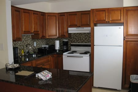 LIDO SANDS  UNIT #104  (1 BEDROOM) - Sarasota