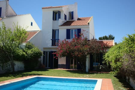 A lovely Portuguese Villa with pool sleeps 8 - Quinta do Anjo