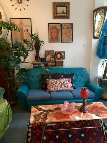 LARGE 1 bed- Newly converted shop/flat, PRIME SPOT