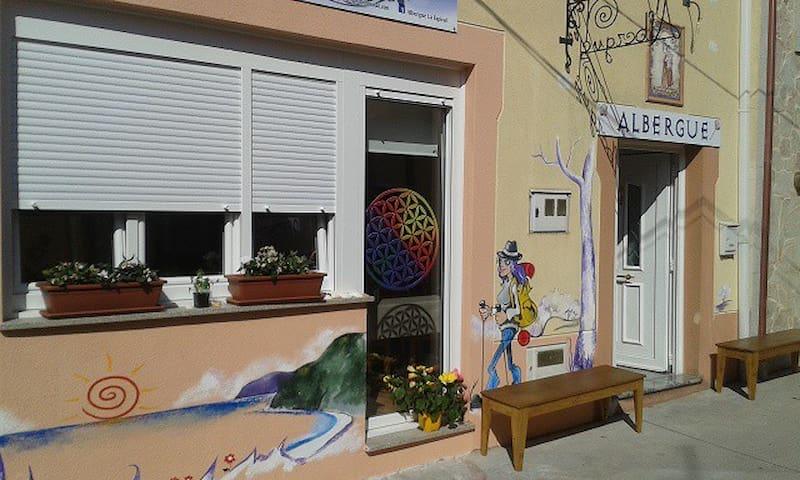 Albergue La Espiral - Fisterra - Domek gościnny