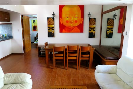 3 Bedroom Luxury Condo (1 min to white beach) - Boracay Malay