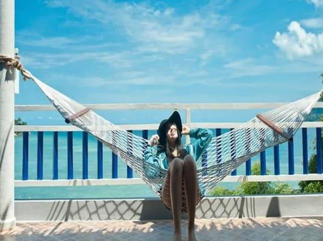 At zea Hotel(Full sea view)全海景小酒店(闹中取静)近芭东海滩~~