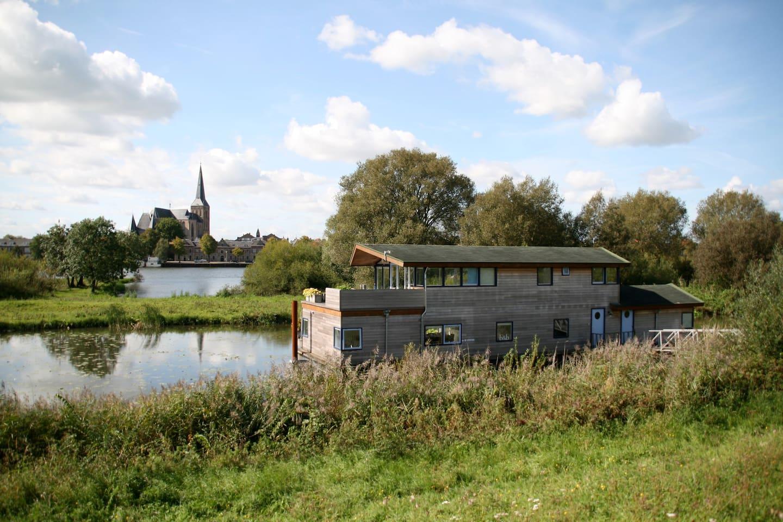 Houseboat de Syrinx near Kampen