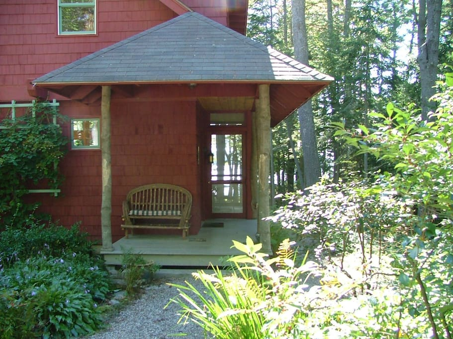 Entry way of the cottage from the driveway.