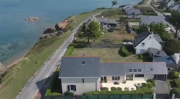 VILLA DES FLOTS - Grande maison face mer - Pen Bé