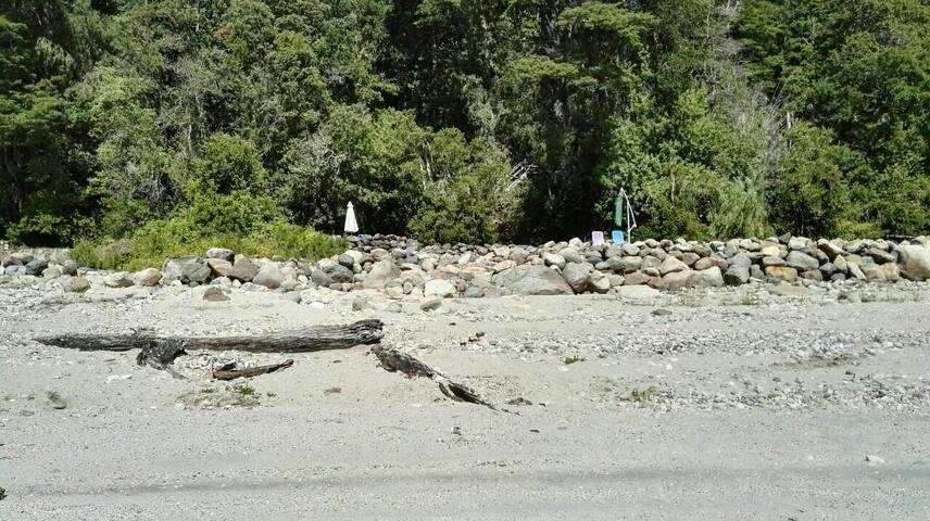 Cabaña y playa en Caburgua, Chile (cerca de Pucón) - Caburgua - Kabin