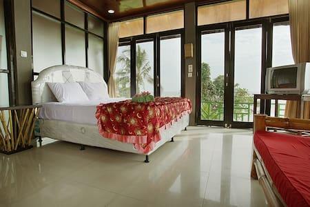 Soka Indah Bungalows  - Denpasar - Bed & Breakfast