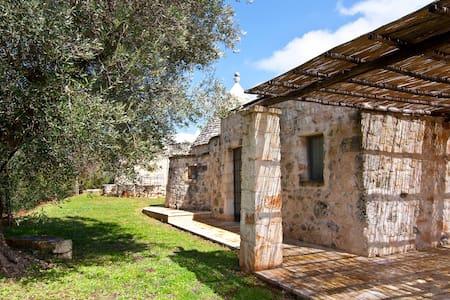 Trullo Verde in Valle d'Itria - Cisternino - Bed & Breakfast